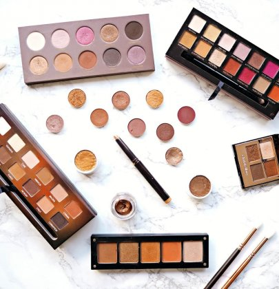 12 Must-Have Eyeshadow Palettes We're Bringing into 2018!